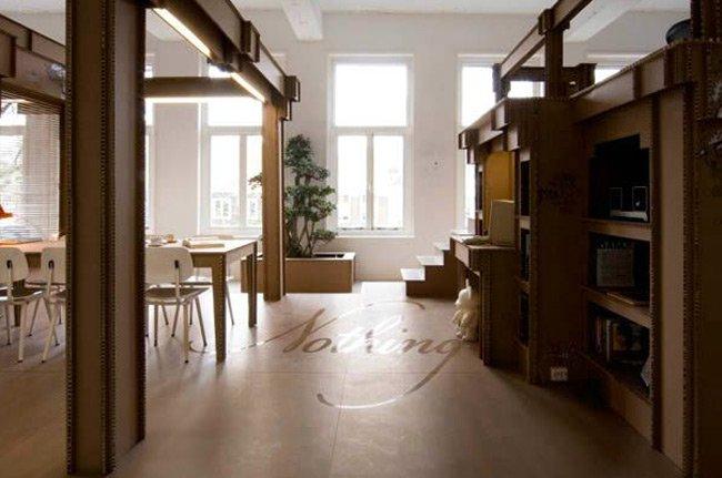 Muebles de cartón , sostenible hasta en precio